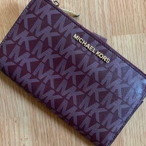 Michael Kors Wallet - LIKE NEW